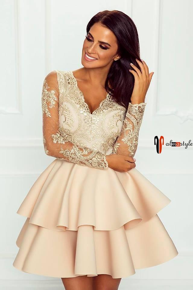 Платье розовое, пышное, с рукавом