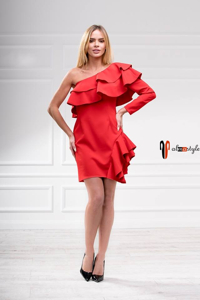 Платье красное, с воланами