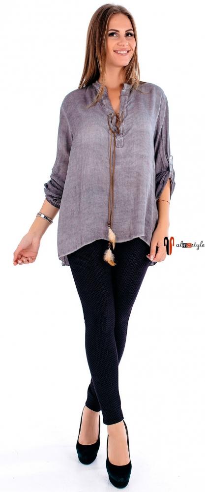 Блуза пудрового оттенка с прозрачной вставкой на спине