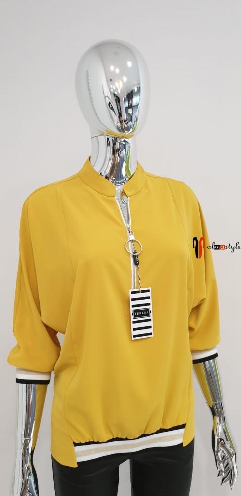 Блузка желтая классическая на каждый день