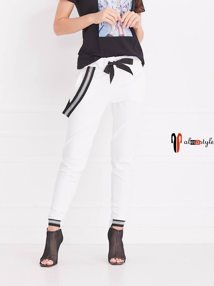 Белые брюки, пояс на резинке