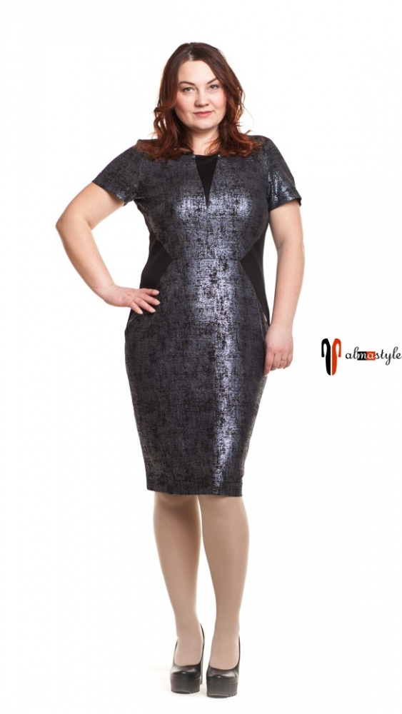 Изумрудное платье с черными вставками