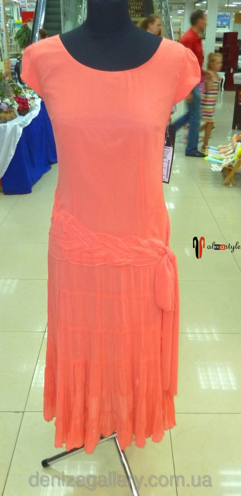 Летнее длинное платье кораллового цвета