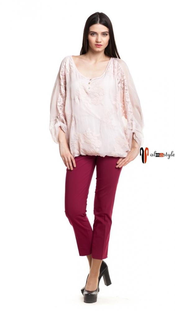 Широкая блуза на резинке со вставками из гипюра