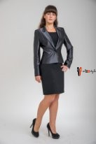 Классический костюм черного цвета, жакет, платье-футляр
