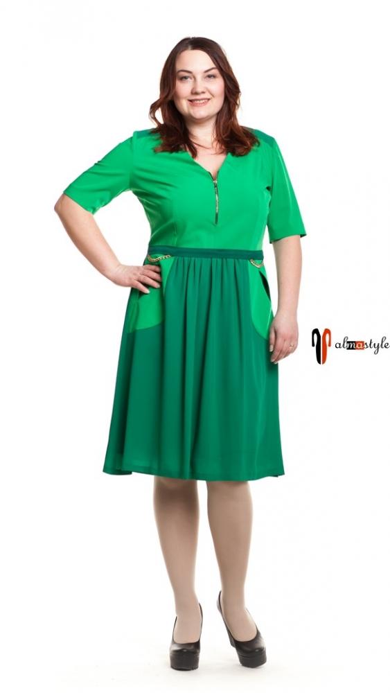 Короткое платье зеленого цвета