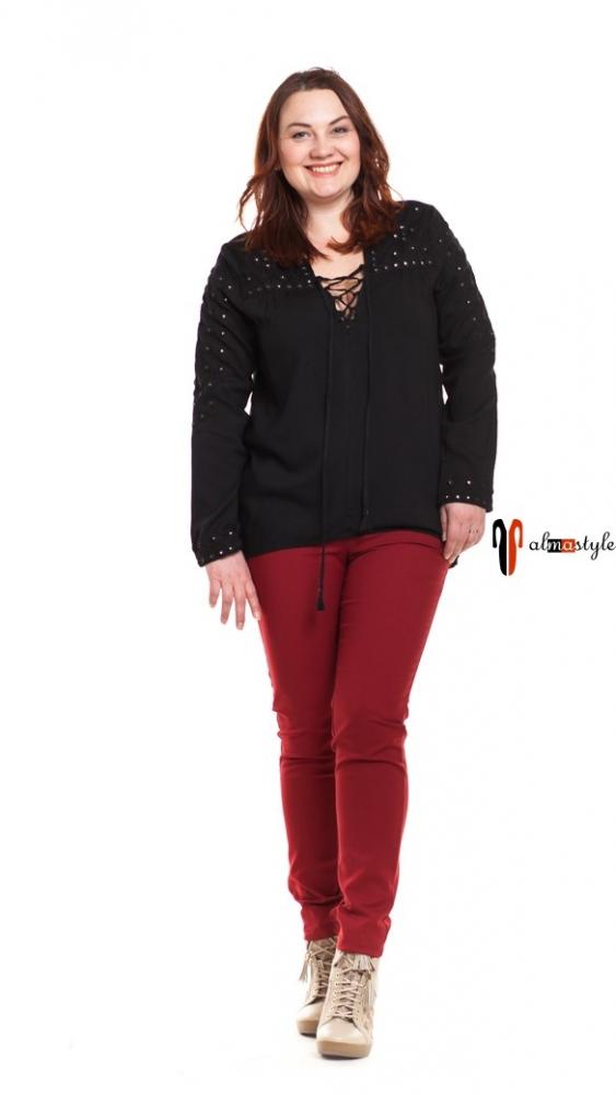 Блуза черная, прямая, на шнуровке