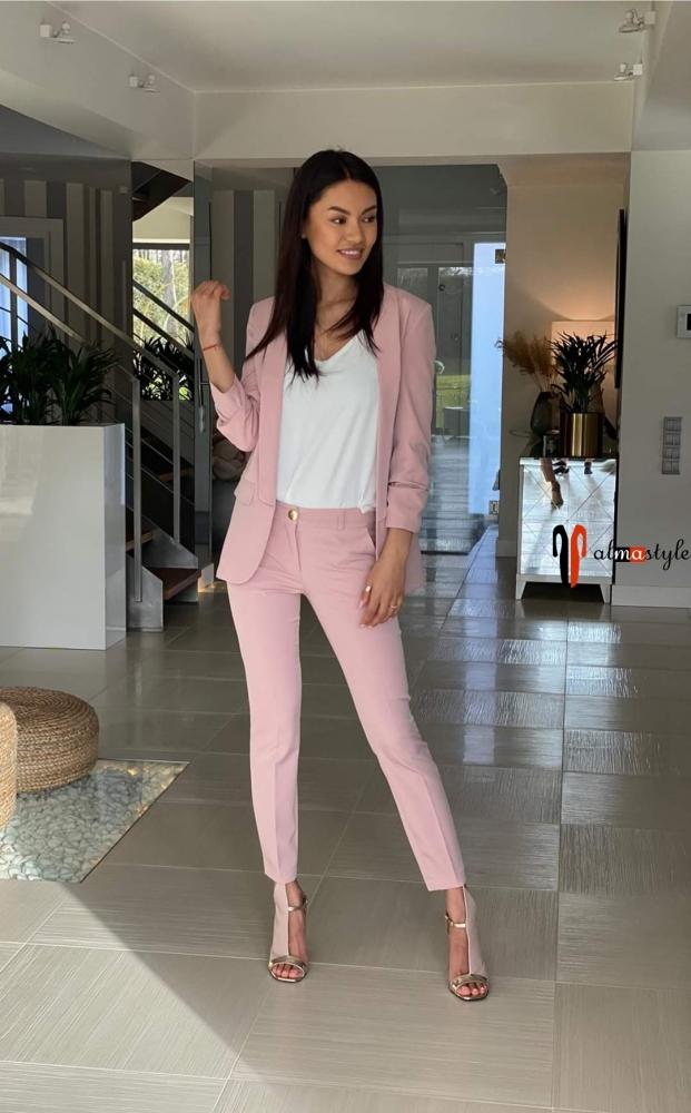 Костюм розовый с брюками