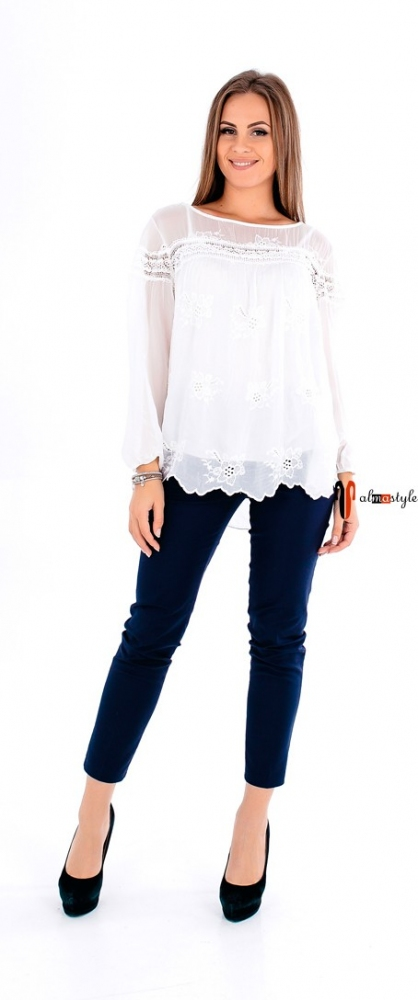 Нарядная шелковая блуза свободного кроя на подкладе