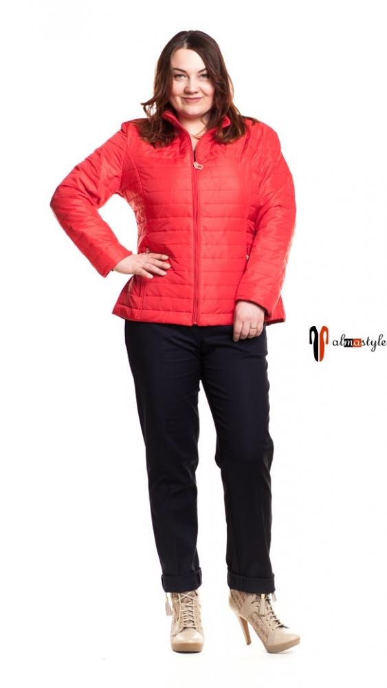 Красная куртка-ветровка батальных размеров