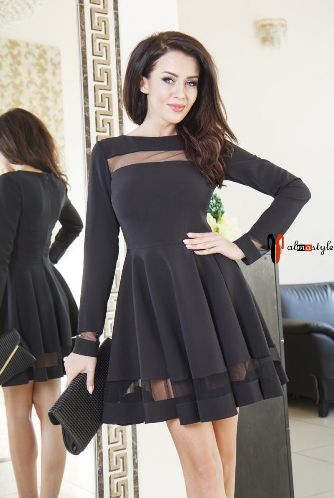 Короткое пышное платье черного цвета