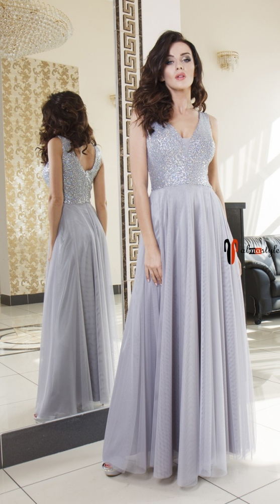 Вечернее платье в пол серебристо-серого цвета