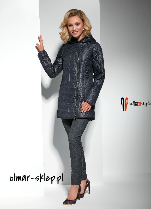 Куртка черная, с капюшоном