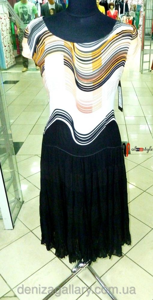 Легкое платье плиссе с принтом