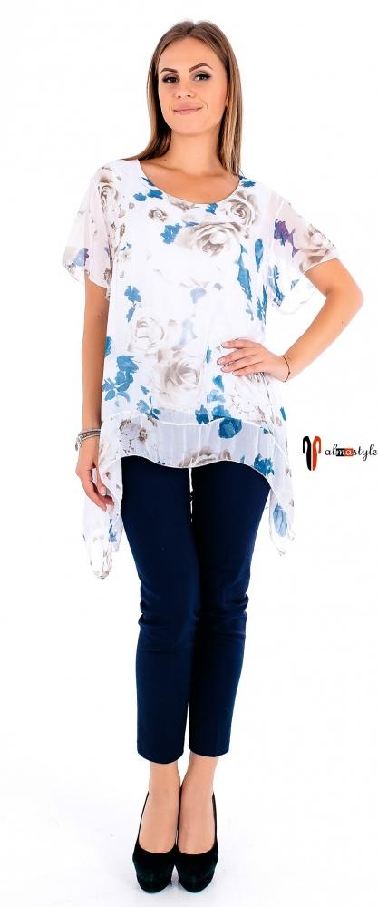 Белая блуза с цветочным принтом и вставкой из гипюра