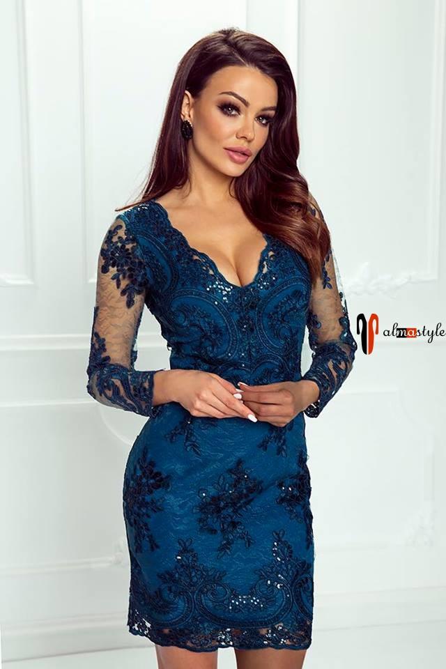 Платье синее, гипюр, короткое, с рукавом