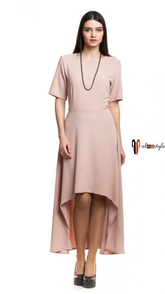 Длинное платье оттенка розовой пудры