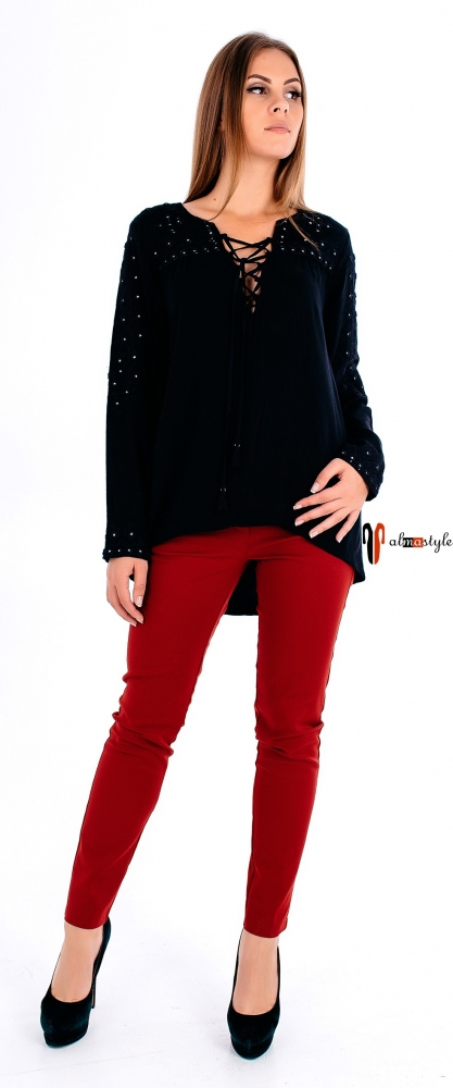 Блуза черная с длинным рукавом, на шнуровке