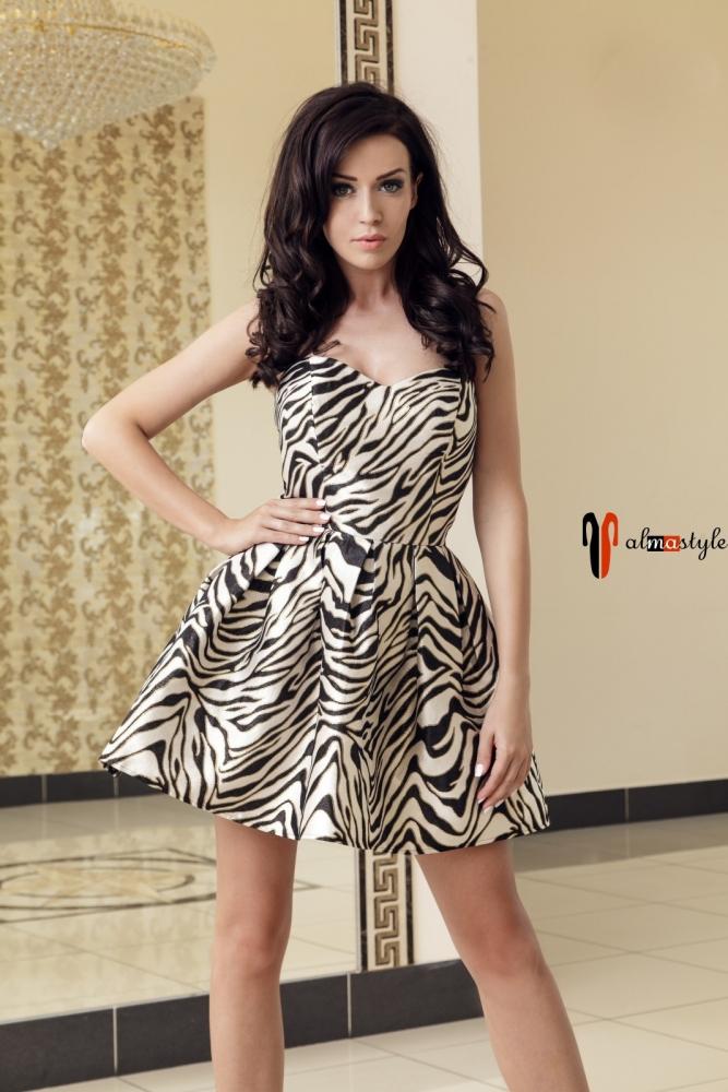 Короткое пышное платье с леопардовым принтом