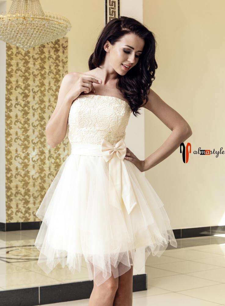 Вечернее платье цвета шампань с фатином