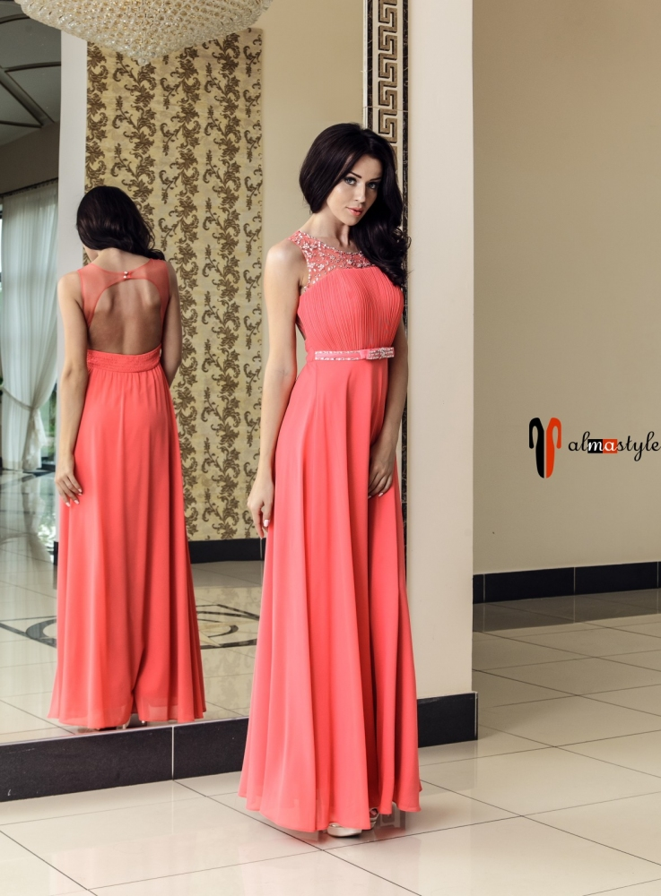 Длинное вечернее платье кораллового цвета