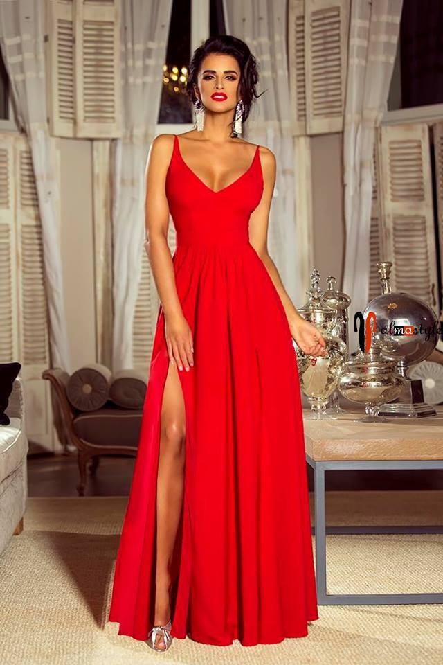 Платье красное, с разрезами, длинное