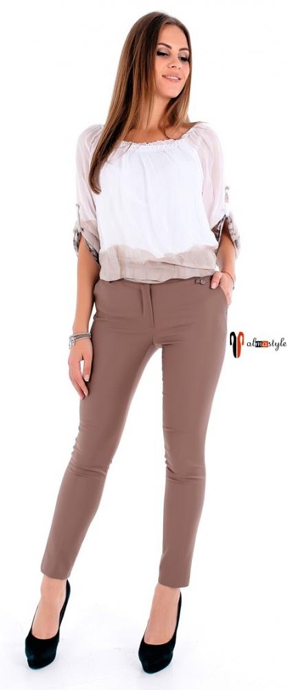 Зауженные брюки бежевого цвета