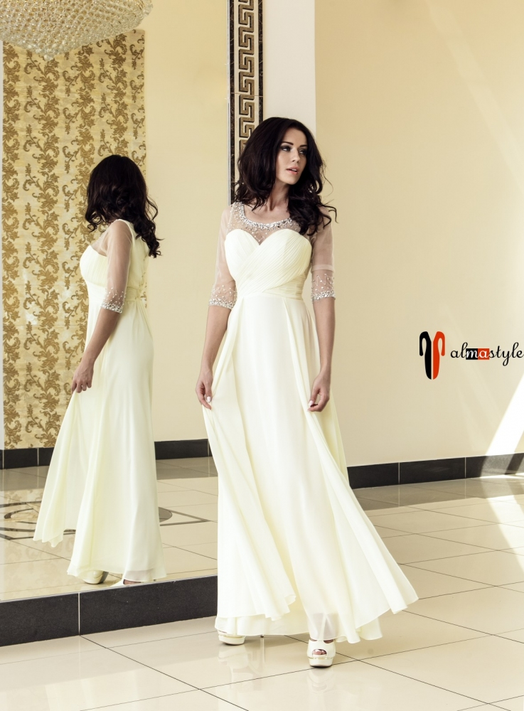 Вечернее платье в пол цвета шампань