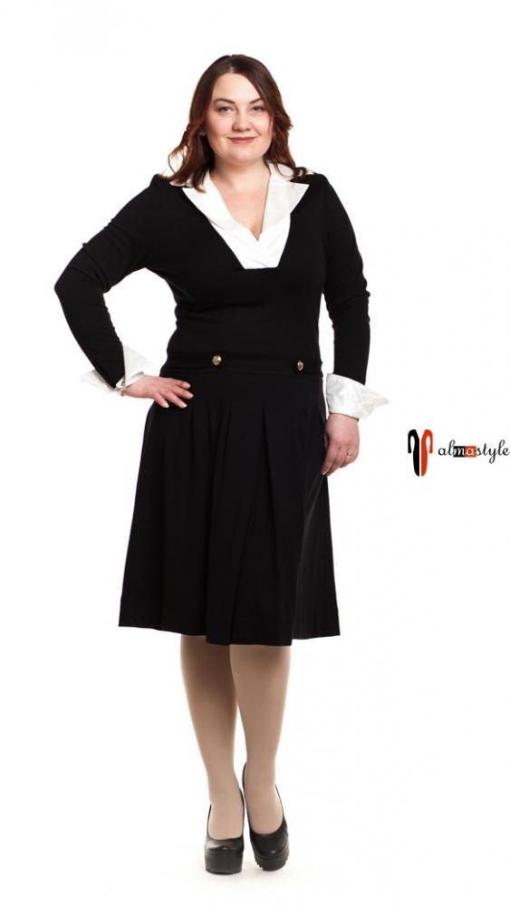 Платье трикотажное, черное, с белым воротником, отрезное по талии, клешь