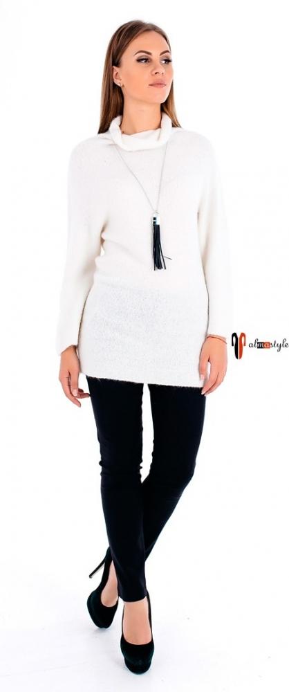 Белый свитер-туника из мохера
