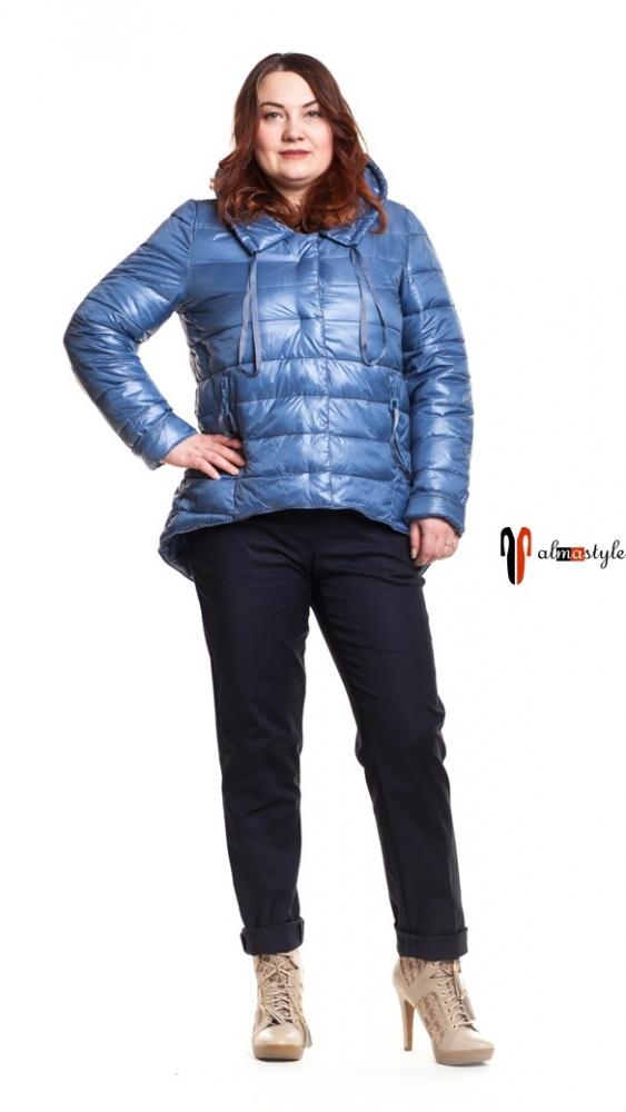 Куртка голубая, перед короче, весна